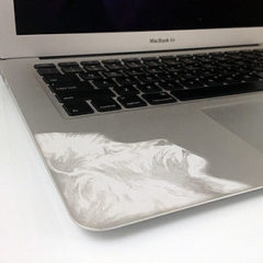 csm_macbook-with-laser-engraved-image_a579e26eec